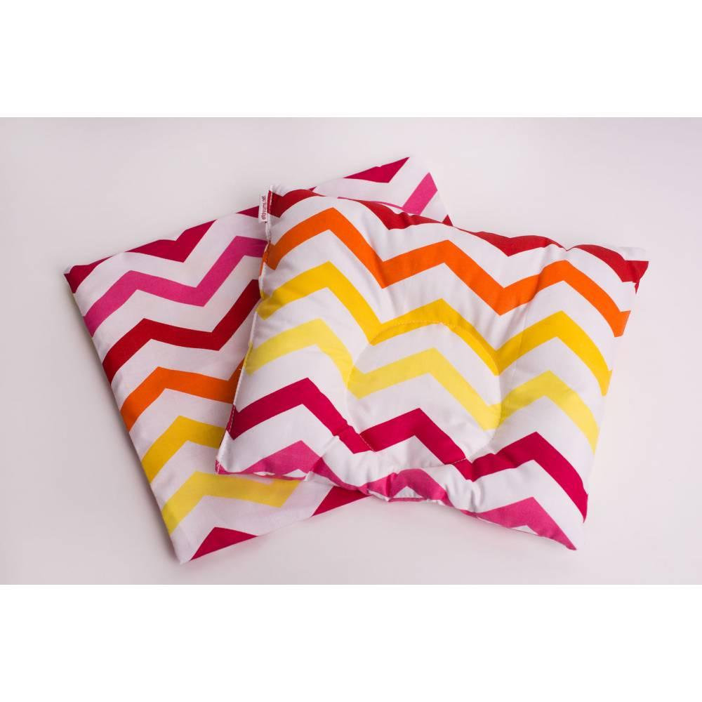 Подушка цветные волны