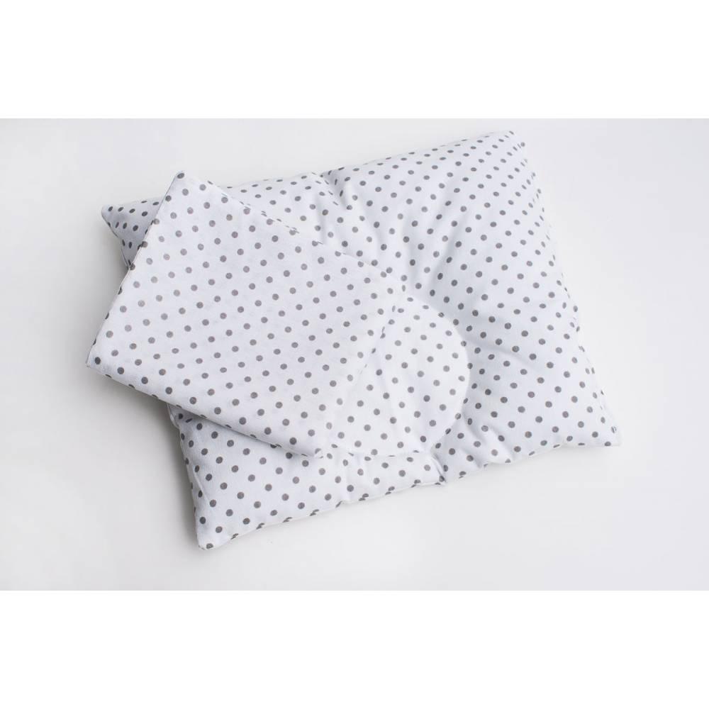 Подушка серые горошки