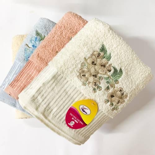 Полотенца для лица лилии
